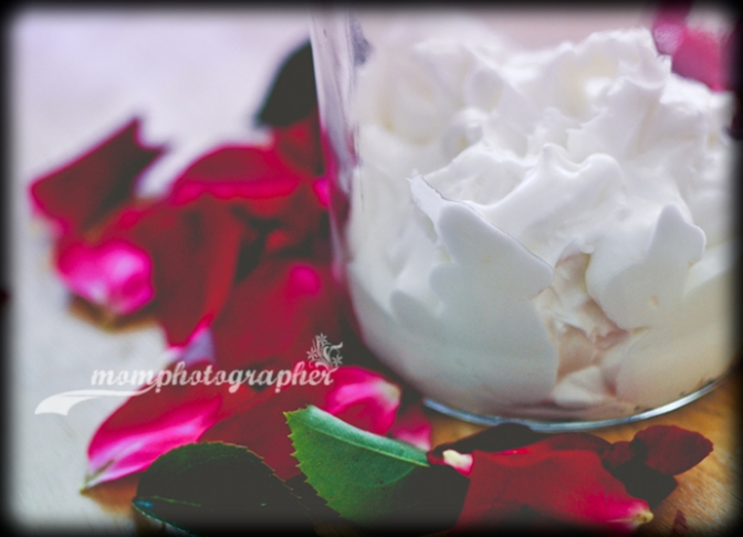 Whipped coconut oil-cocoa butter body cream