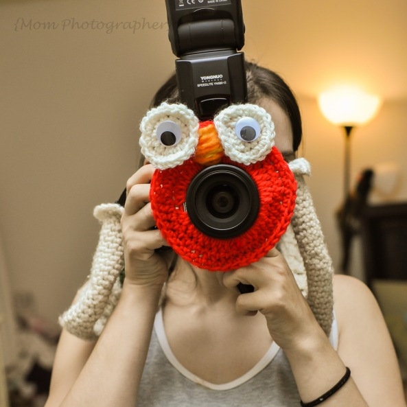 crochet-lens-creature-elmo-mom-photographer-1
