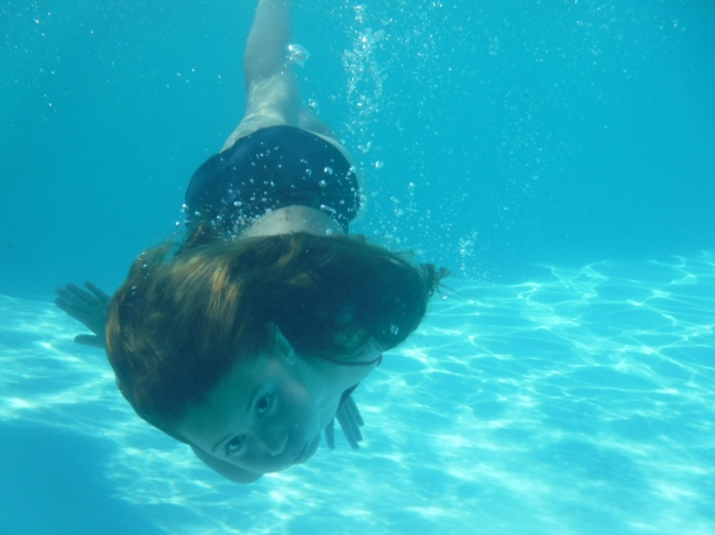 cheap underwater camera review, mom photographer, ewa samples